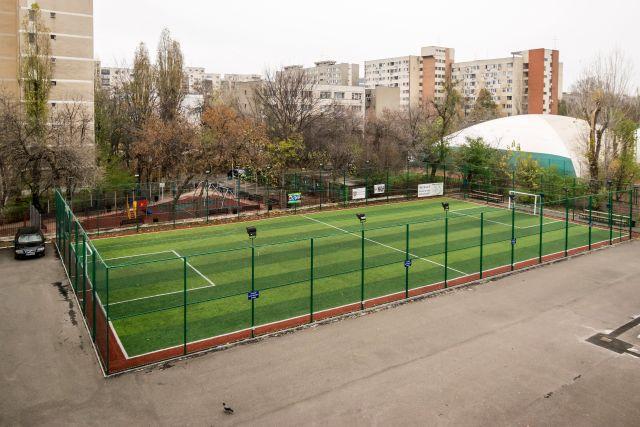 Baza-teren-fotbal.jpg